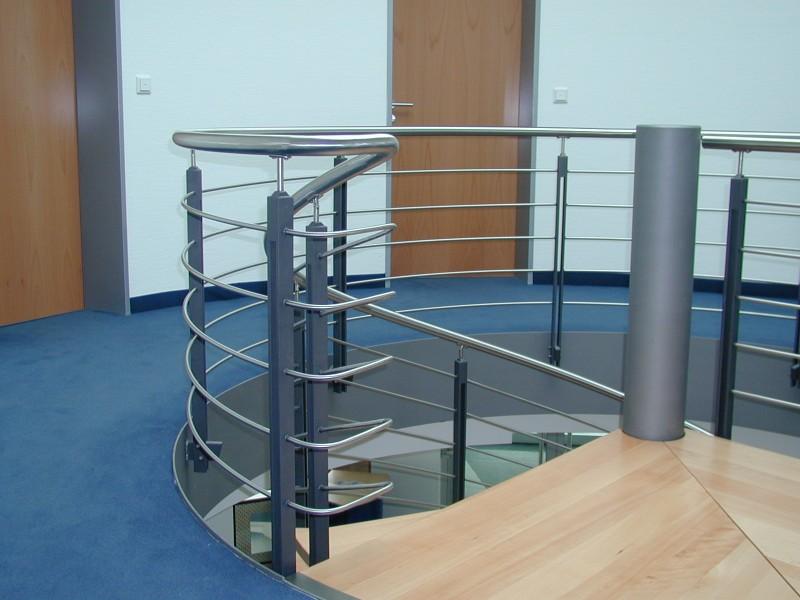Treppen innen spindel   ideen aus stahl... hillebrand